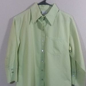08859c7b CHICO'S SIZE 1 ( S ) 7 BUTTON GREEN/ WHITE BLOUSE